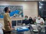 walikota-makassar-danny-pomanto-saat-melakukan-pertemuan-dengan-para-relawan-dokter.jpg