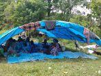 warga-desa-botteang-mamuju-masih-bertahan-di-tenda-darurat.jpg