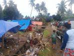 warga-korban-banjir-dusun-sampeang-desa-kayuloe-barat.jpg