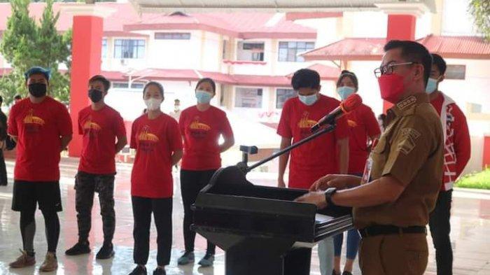 Joune Ganda Lepas 18 Atlet Asal Minut ke PON Papua