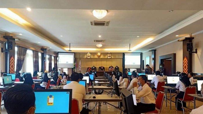 Dibuka oleh Wakil Bupati Bolmut Amin Lasena, 204 peserta asal Bolmut mengikuti ujian SKB CPNS, di kantor BKN Regional XI Manado.