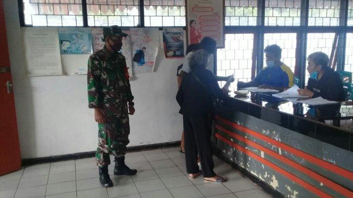 285 KK di Kecamatan Eris Terima Dana Bantuan Sosial Tunai Tahap ke-10, Dikawal Anggota TNI