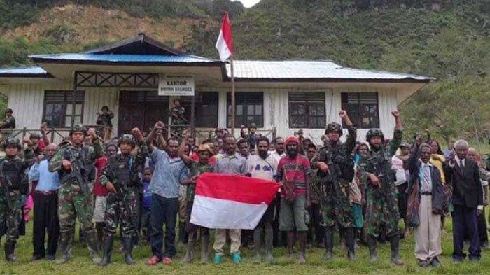 Sebanyak 5 anggota <a href='https://manado.tribunnews.com/tag/kkb-papua' title='KKBPapua'>KKBPapua</a> menyerahkan diri di Distrik Bruwa, pada Rabu (22/7/2020).