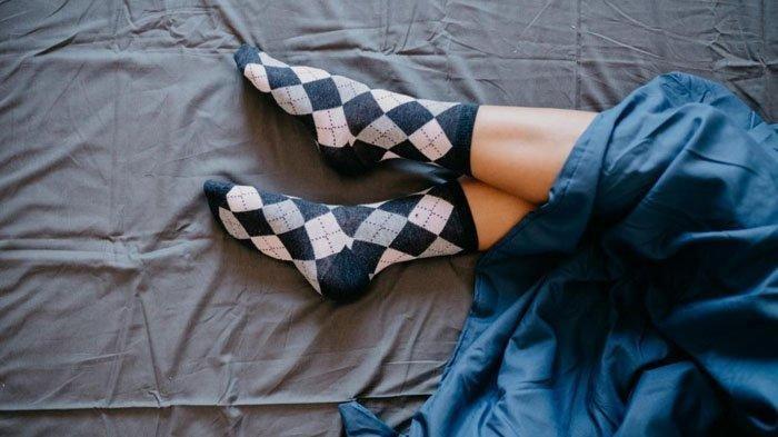 Berikut 5 Manfaat Pakai Kaus Kaki saat Tidur dari Rasa Nyaman hingga Menemukan Kenikmatan
