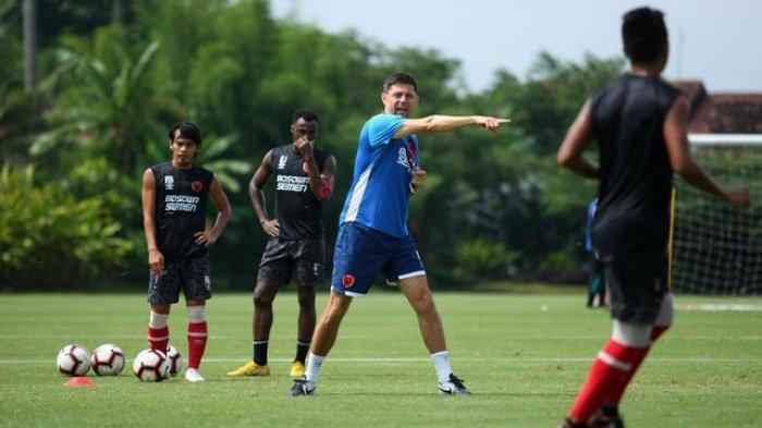 Asisten Pelatih PSM Makassar: Pemain Enjoy Dalam Latihan Terakhir Ini