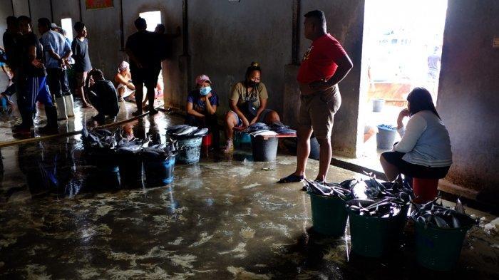 Cuaca Buruk Melanda Perairan Manado, Harga Ikan di TPI Tumumpa Naik