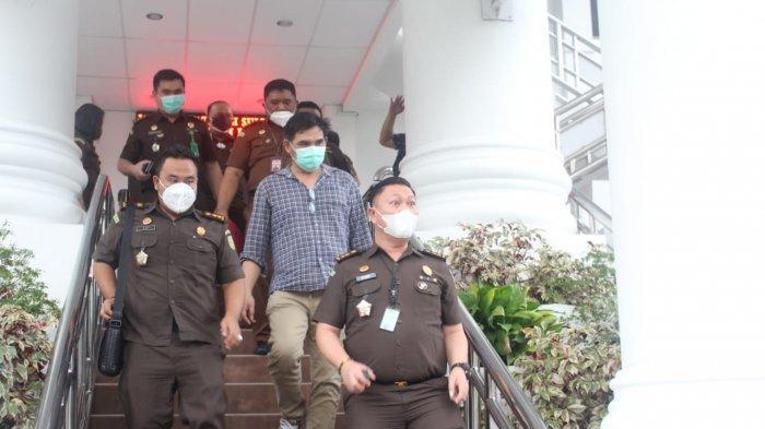 Adik Bupati Minahasa Utara Diringkus Kejati Sulut, beberapa waktu lalu,Kasus Korupsi Pemecah Ombak Minut Berlanjut