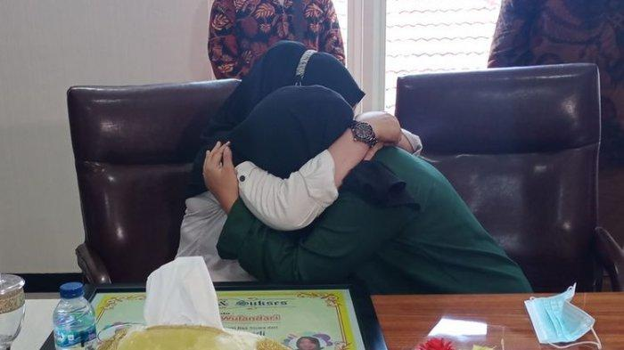 Agesti dan Ibunya Kini Berbaikan, Nangis Saling Minta Maaf, Didamaikan DPR Kang Edi: Alhamdulillah