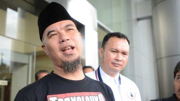 Merasa Dihalangi Bertemu Wartawan, Ahmad Dhani Bersitegang dengan Jaksa, Lihat Foto-fotonya!