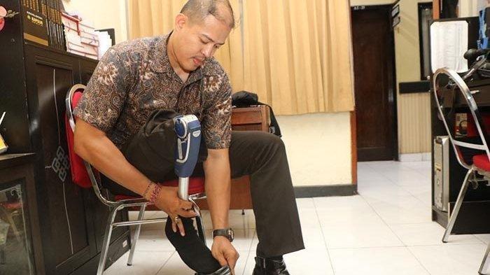 Kisah Aipda Andrew Maha Putra, Polisi Berkaki Palsu yang Berjibaku dalam Penangkapan Santoso