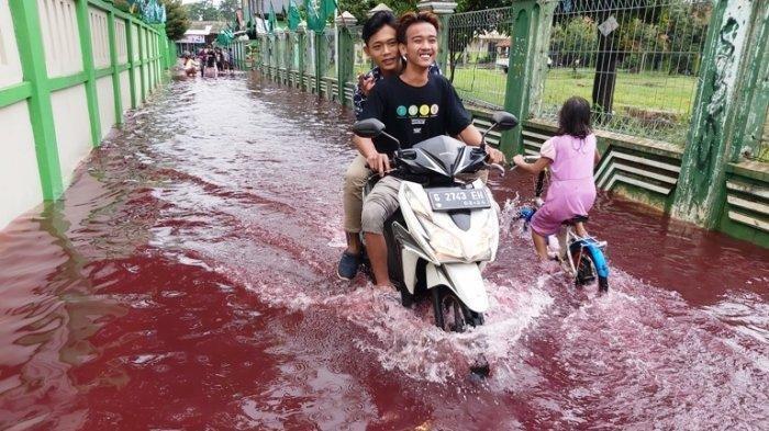 Ini Cara Atasi Motor Mogok Saat Banjir