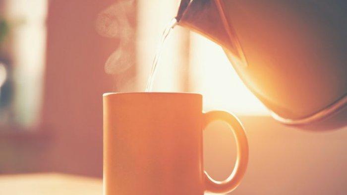 Kebiasaan Baik di Pagi Hari, Bukan Minum Kopi atau Teh Panas, Tetapi Minuman Ini