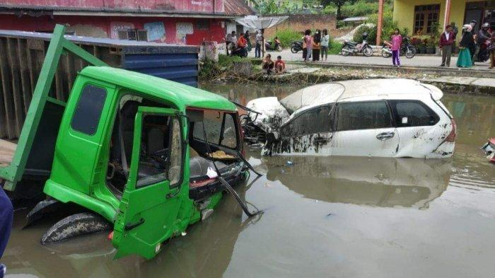 Kecelakaan Pukul 11.00 WIB, 9 Orang Jadi Korban, Truk Alami Rem Blong, Tabrakan Beruntun 9 Kendaraan