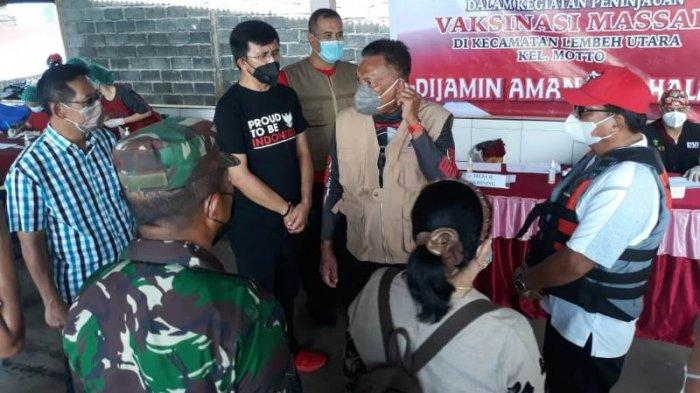Aktivitas jajaran Dinas Kesehatan kota Bitung dibawah pimpinan Plt Kadis dr Piter Lumingkewas meninjau pelaksanaan vaksinasi Covid.