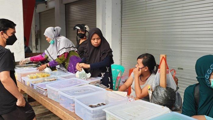 Ragam Jenis Kue Takjil di Kantin Ramadhan Masjid Al-Jihad Siau Sitaro