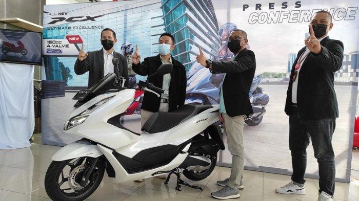 PT Daya Adicipta Wisesa memperkenalkan All New Honda PCX150 dan PCX e:HEV (Hybrid) kepada publik Sulut secara virtual pada petang ini.