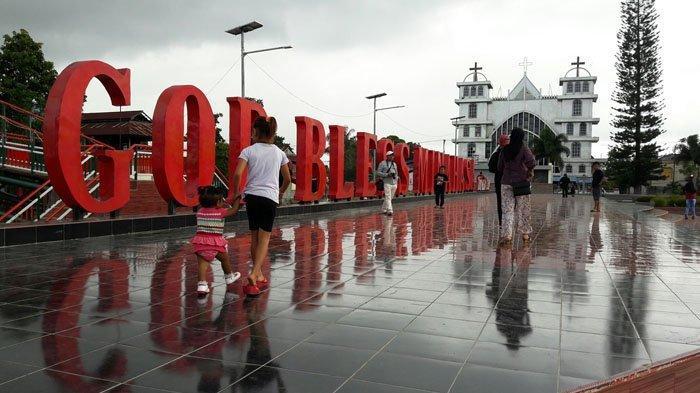 Alun alun Kota Tondano