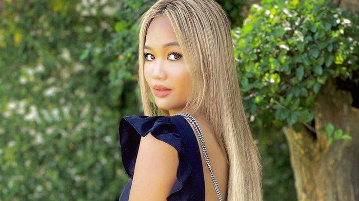 Sosok Alyssa Spischak Putri Sambung Ustaz Derry Sulaiman yang Sering Pakai Baju Minim