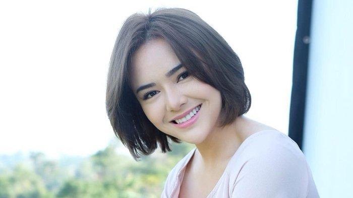 Amanda Manopo Akui Kini Sedang Jatuh Cinta, Singgung soal Pemilik Suara Merdu