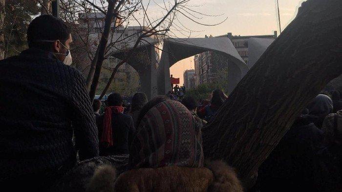 Amerika & Iran Memanas, Dubes RI di Iran Imbau WNI Waspada, Kontak Lewat WA Pemerintah Siap Evakuasi