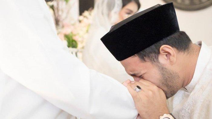 Ranty Maria 'Tembak' Mischa, Ammar Zoni Menangis Saat Pengajian Jelang Pernikahannya