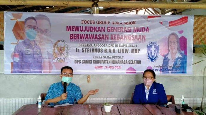 Anggota DPD RI, Stefanus BAN Liow berbicara dalam FGD GAMKI Minsel bertema Wujudkan Generasi Milenial Berwawasan Kebangsaan.