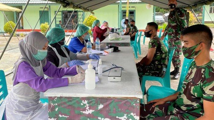 Prajurit TNI Se-BMR Menerima Vaksinasi