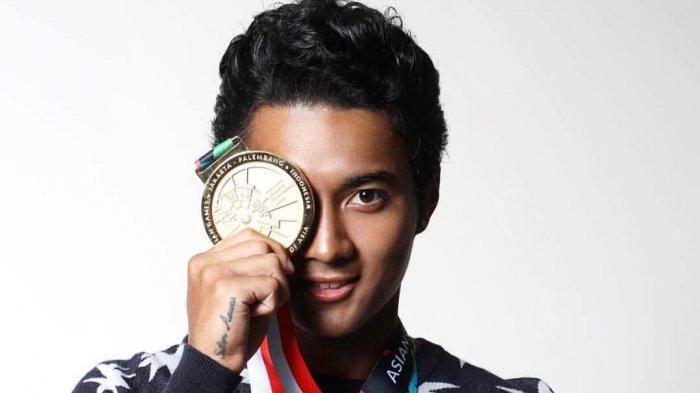 Anies Baswedan Kecewa dengan Aksi Atlet Jetski Peraih Emas Asian Games 2018 Berfoto Injak Kursi MRT