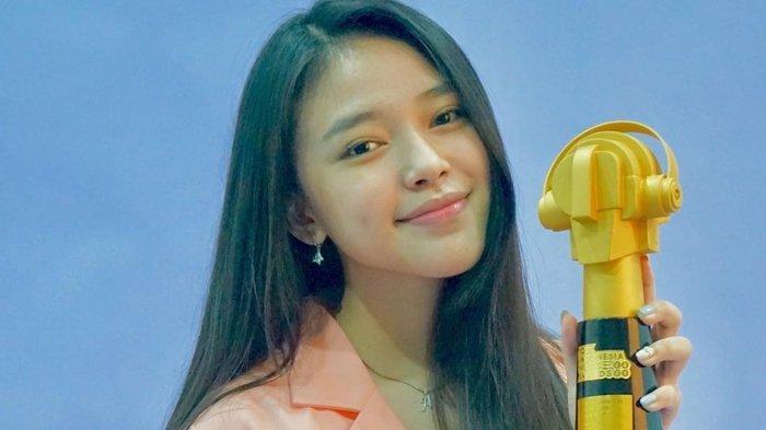 Anneth Delliecia Menangkan Piala JIMA 2021 Kategori Indonesian Song of The Year
