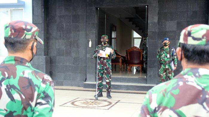 Apel Luar Biasa Lanudsri Manado, Marsma TNI Satriyo Utomo Ingatkan Disiplin Prokes Cegah Covid