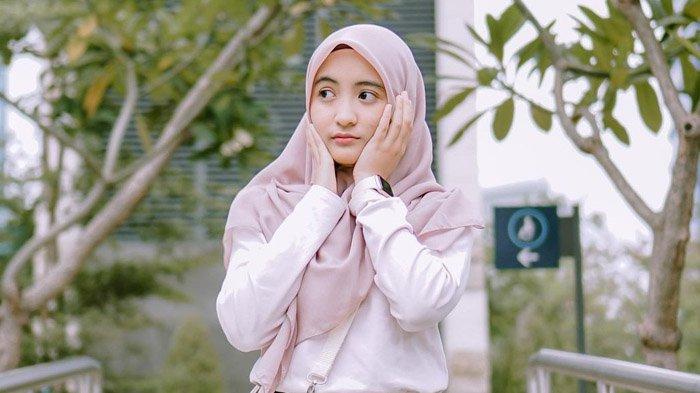 Sosok Arafah Rianti Komika yang Dijodoh-jodohkan dengan Bintang Emon, Disebut Perempuan Absurd