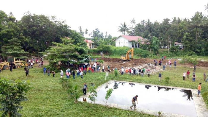 Tatong Bara Ikut Bersihkan Tempat Pembuangan Akhir Sampah