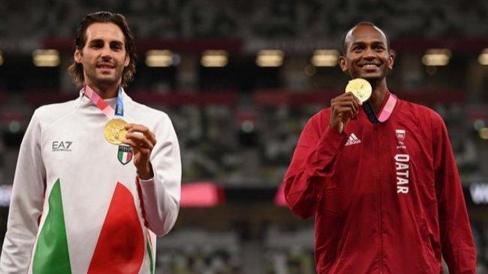 Dua Atlet Lompat Tinggi Berbagi Medali Emas Olimpiade Tokyo, Mutaz dan Gianmarco Berunding Bersama