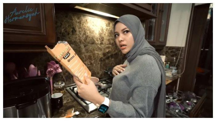 Aurel Hermansyah Ngamuk Nyaris Telan Makanan Kadarluwasa Produk Suaminya, Asisten Dipanggil