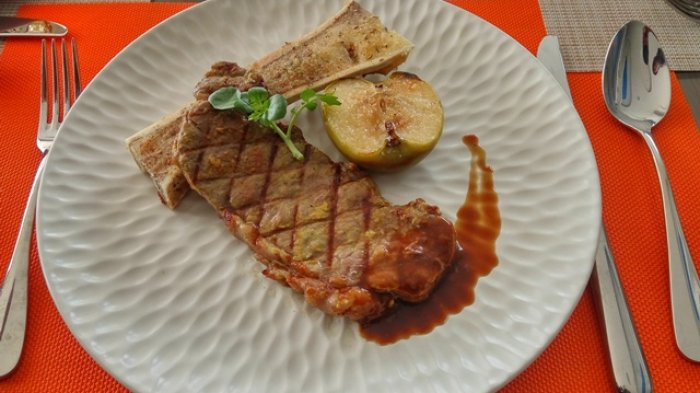 Australian Angus Beef dari Four Points Manado, Bikin Lidah Anda Bakal Ketagihan
