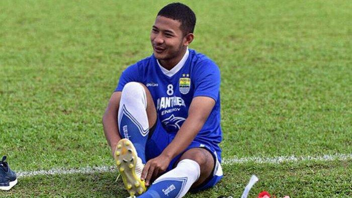 Persib Bandung Memiliki Skuat yang Cukup Gemuk, Hal Ini Membuat Gian Zola Khawatir
