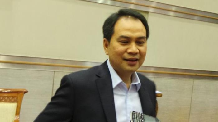 Netizen Serbu Akun Medsos Pimpinan DPR, Azis Syamsuddin: Banyak Kata yang Tak Patut Diutarakan