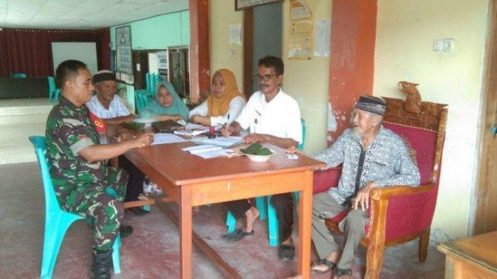 Kopka Hasan Gobel Cari Solusi Permasalahan KTP di Desa Toluaya