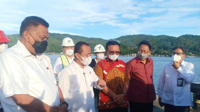 Bahlil Lahadalia, Menteri Investasi/Kepala Badan Koordinasi Penanaman Modal (BKPM), mengunjungi Pelabuhan Peti Kemas Bitung dan Kawasan Ekonomi Khusus (KEK) Kota Bitung, Sulawesi Utara, Sabtu (12/6/2021)