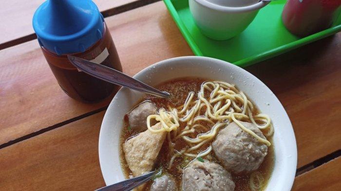 7 Tempat Makan Bakso di Manado yang Recommended