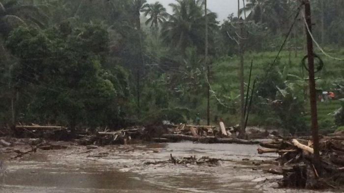 Banjir Bandang di Minahasa Tenggara, Akses Jalan Trans Putus