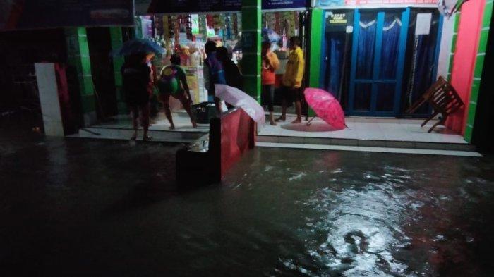 BREAKING NEWS, Banjir di Tolondadu Bolsel, Rumah Kemasukan Air, Retno Tak Bisa Tidur