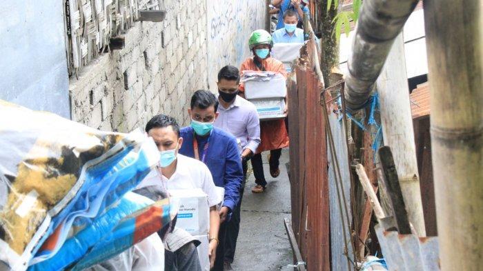 Bank Muamalat Cabang Manado menyalurkan bantuan kemanusiaan melalui program penyaluran donasi untuk korban banjir dan longsor Manado, Sulawesi Utara