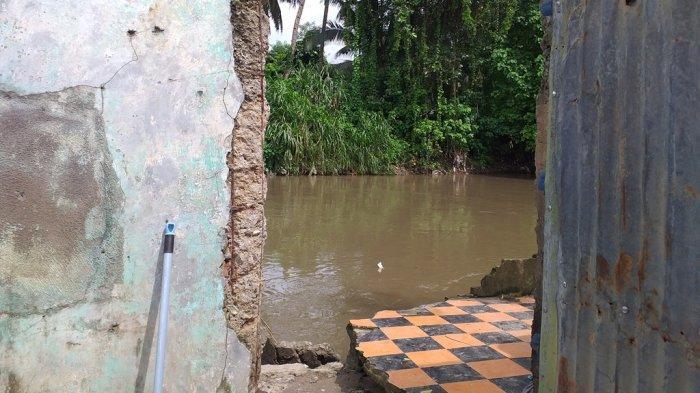 Kondisi rumah warga yang tinggal di bantaran DAS Tondano di Kampung Argentina, Ternate Tanjung, Singkil, Kota Manado. (Tribunmanado.co.id/Isvara Savitri)