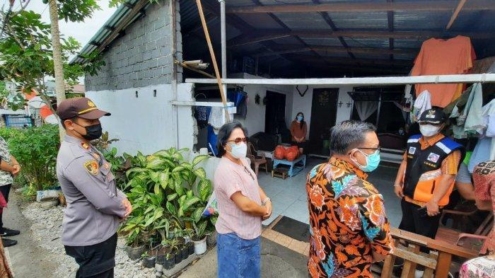 Wali Kota Bitung Kembali Datangi Warga Isoman Bawa Bahan Makanan