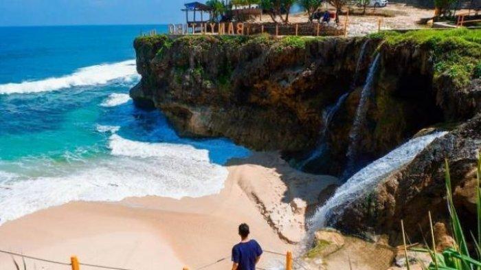 Ini Dia Pesona Pantai Banyu Tibo Dengan Harga Tiket Masuk yang Sangat Murah, Cek harga dan Fasilitas