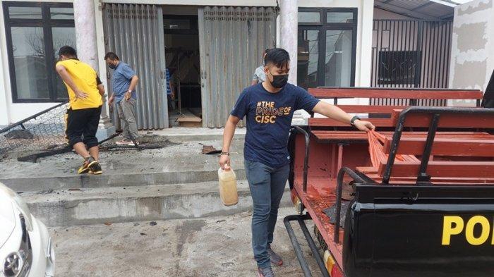 sejumlah barang bukti yang diamankan tim inafis dan unit 1 Jatanras Satreskrim Polres Bitung, dari tempat kejadian perkara kebakaran sebuah kamar di rumah mewah milik anggota DPRD Bitung.