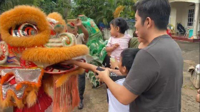 Jelang Cap Go Meh di Bitung, Lima Barongsai Datangi Rumah Umat