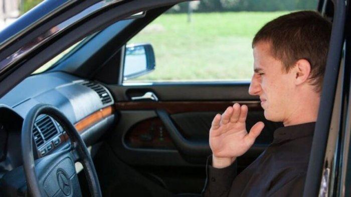 Pengendara Wajib Tahu Nih! Kenali 7 Penyebab Bau Pada Mobil, Beda Bau Beda Masalah loh?