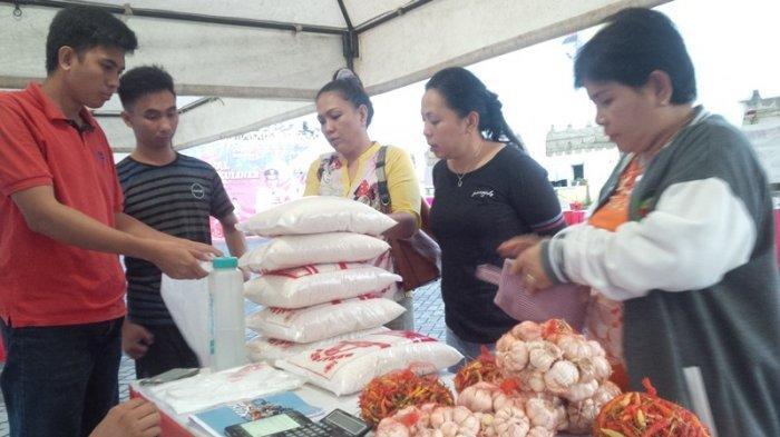 Warga Serbu Komoditi Murah di Bazaar Natal dan Kampung Kuliner